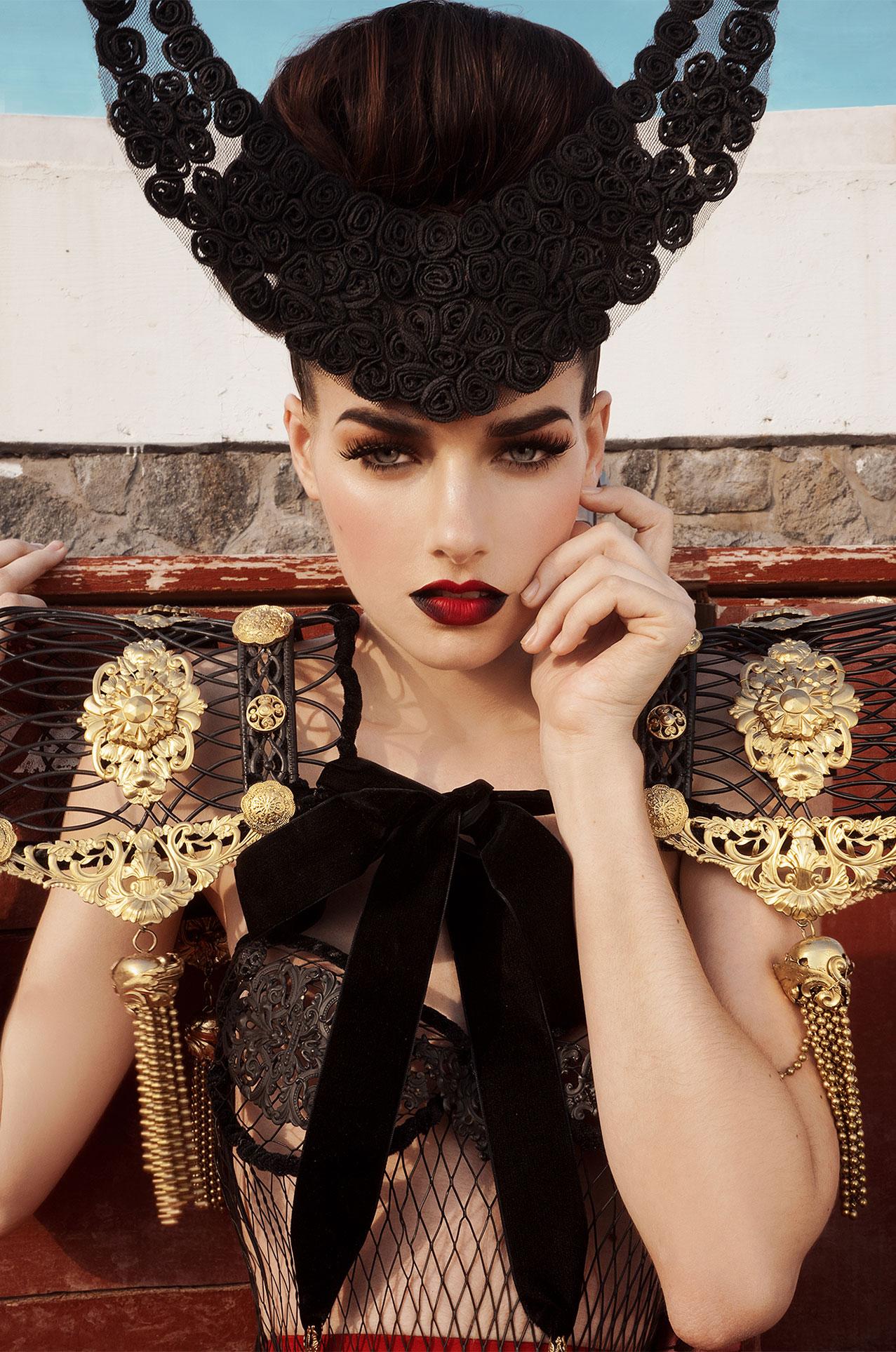 La Vendetta del Toro / Kyra Nickel by Jvdas Berra / LoveFMD Magazine
