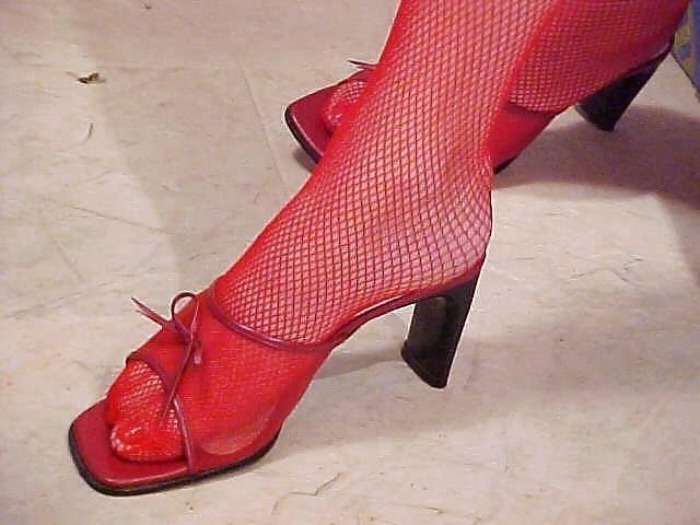 Lesbian mature foot-1470