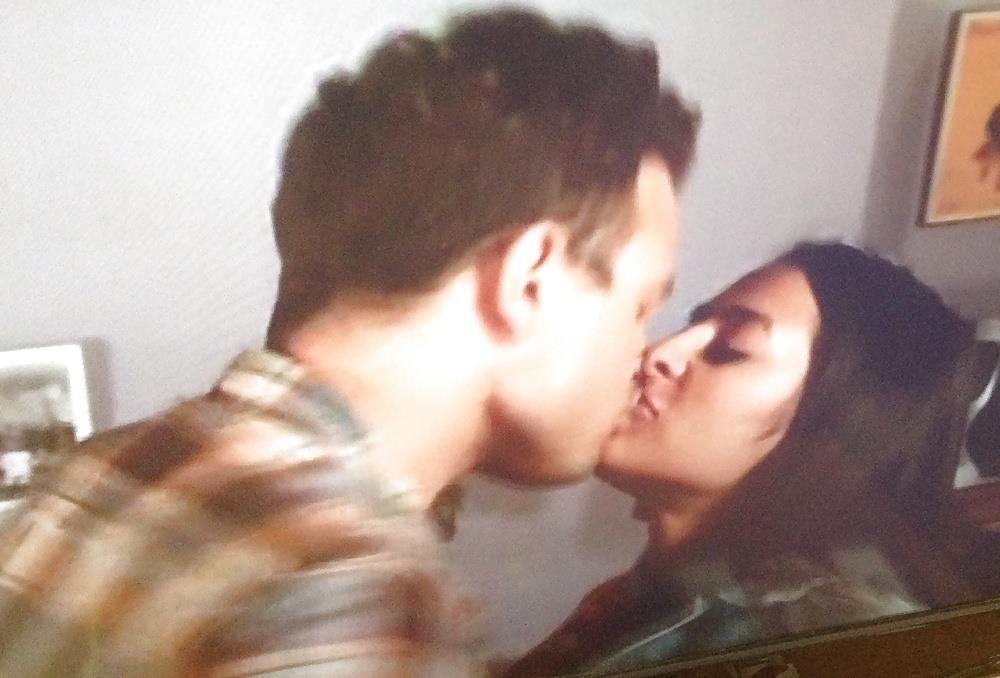 Black lesbians kissing pics-8824