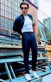 Sebastian Stan I62UHbfI_o