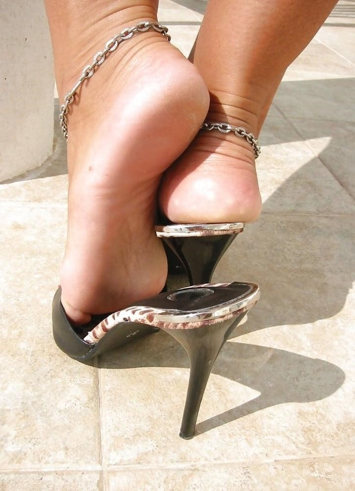 Sexy women feet porn-7201