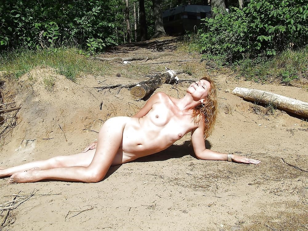 Natural tits on the beach-5143