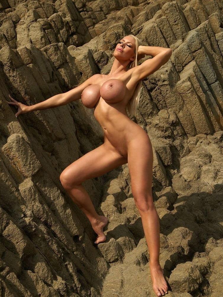 Naked mature thai women-7652