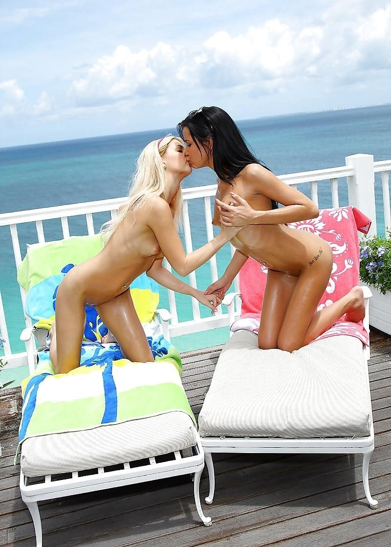 Sexy two girls kissing-2196
