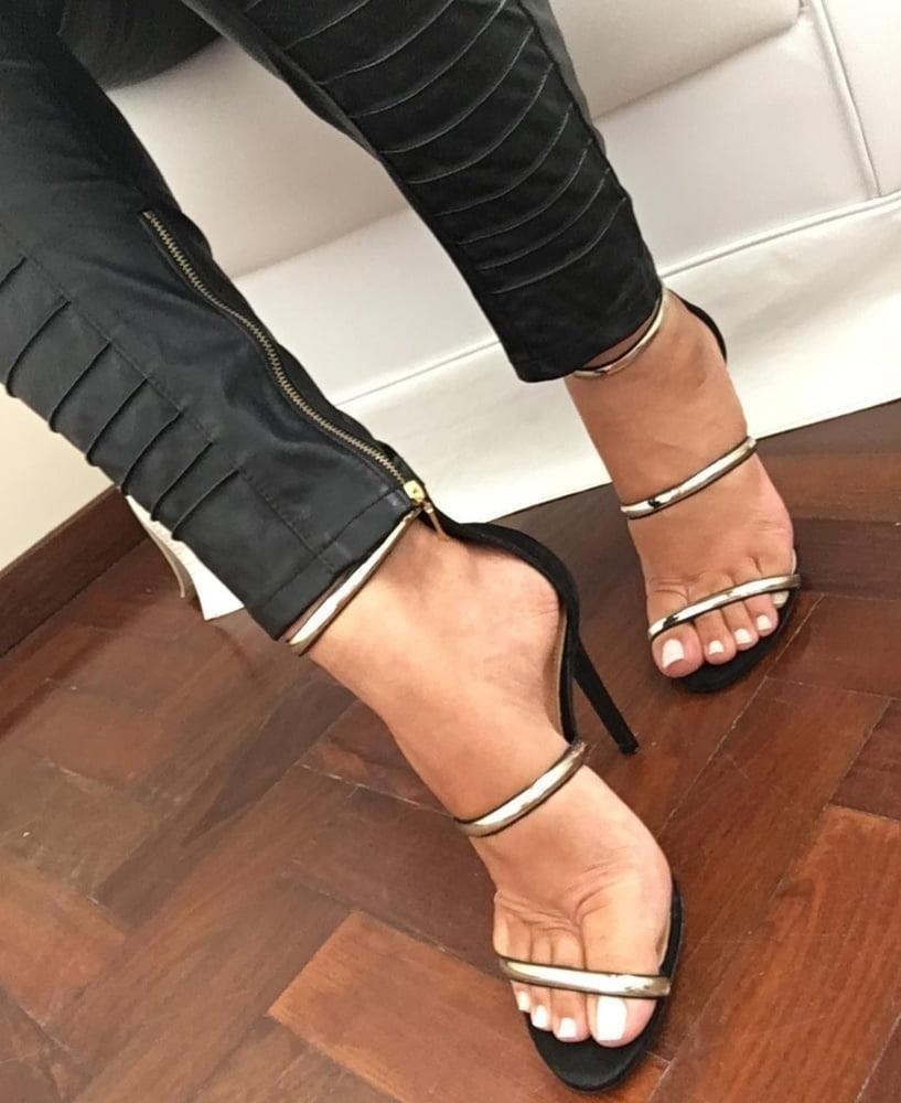 Hot feet domination-6317
