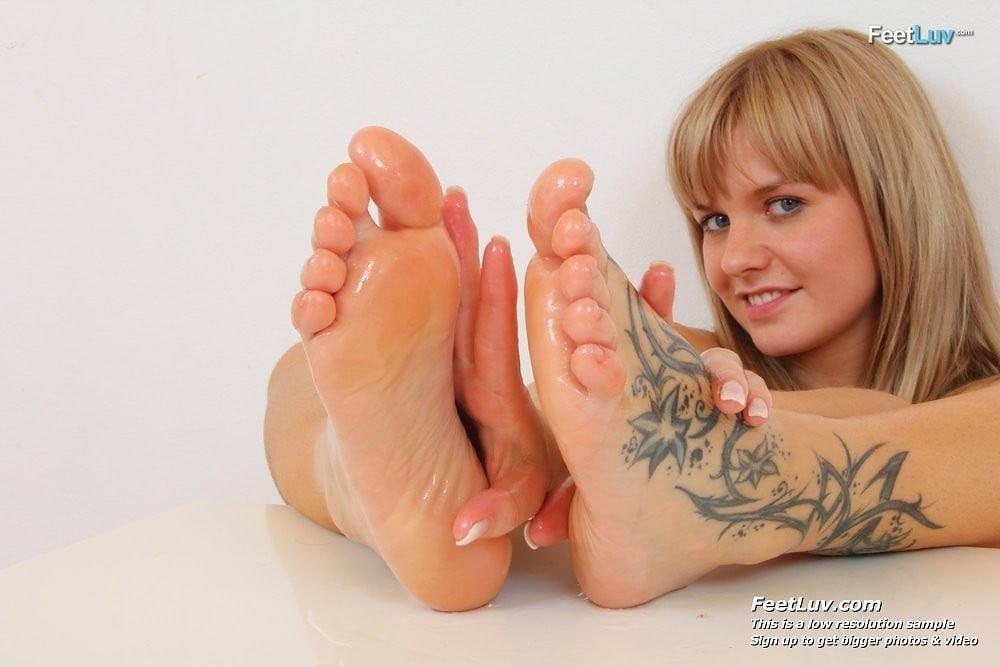 Beautiful feet babes-5004