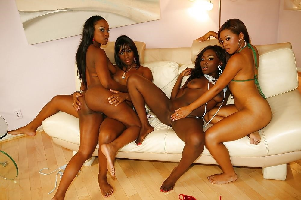 Ebony lesbian public sex-3123