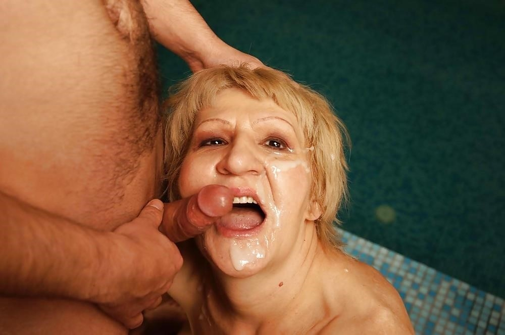 Massive female orgy-4485