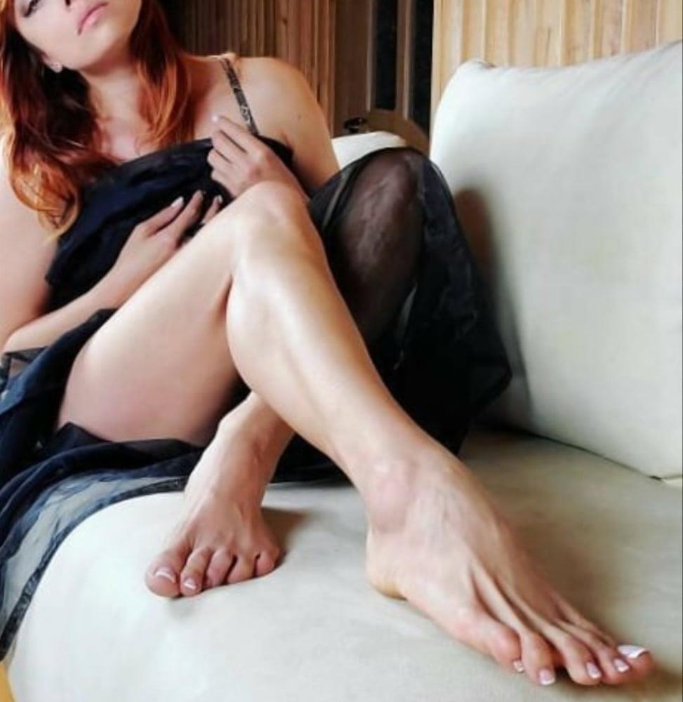 Hot feet domination-4602
