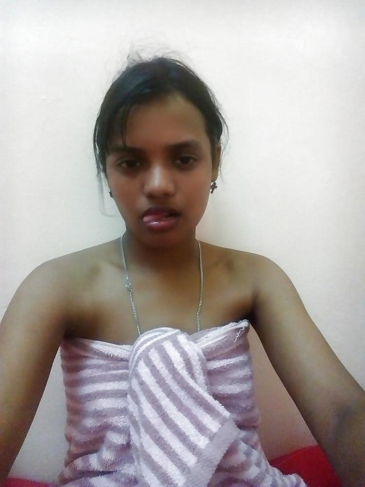 Naked college girl selfies-7864