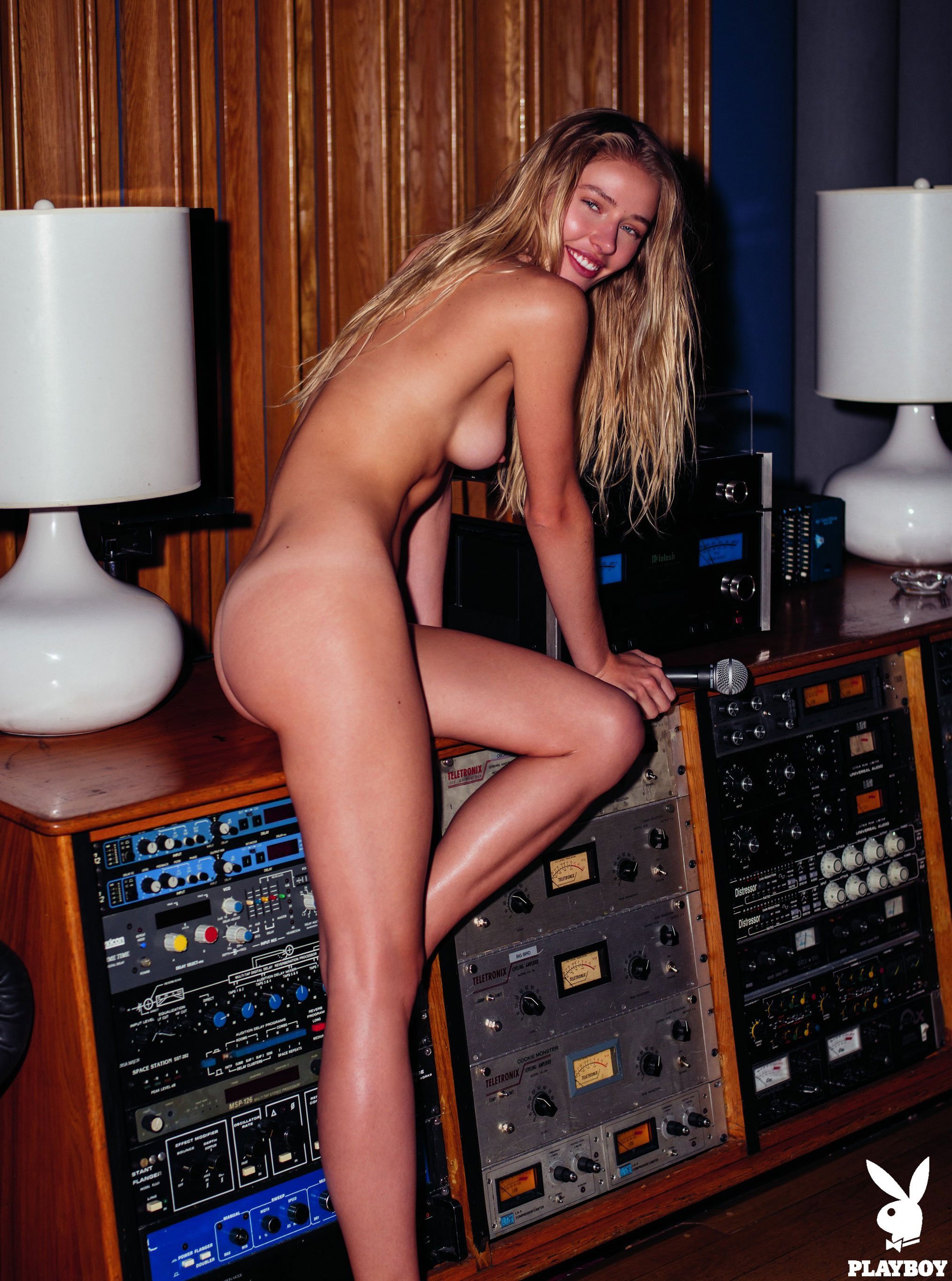 Daria Savishkina nude in Electric Lady Studios - Playboy US september/october 2017 / photo by Christopher von Steinbach