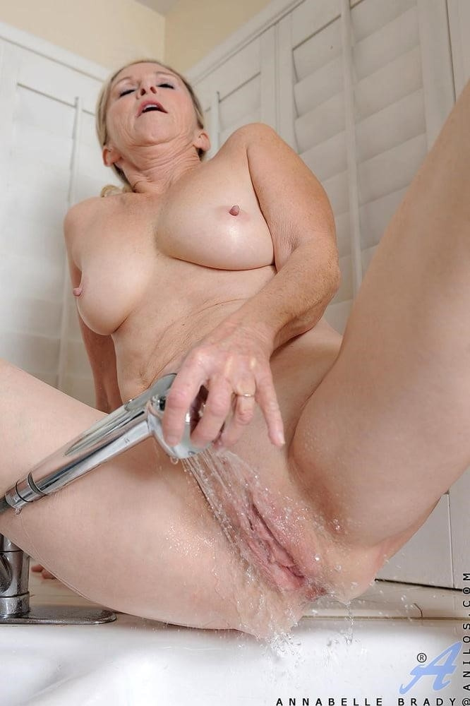 Annabelle brady anal-8805