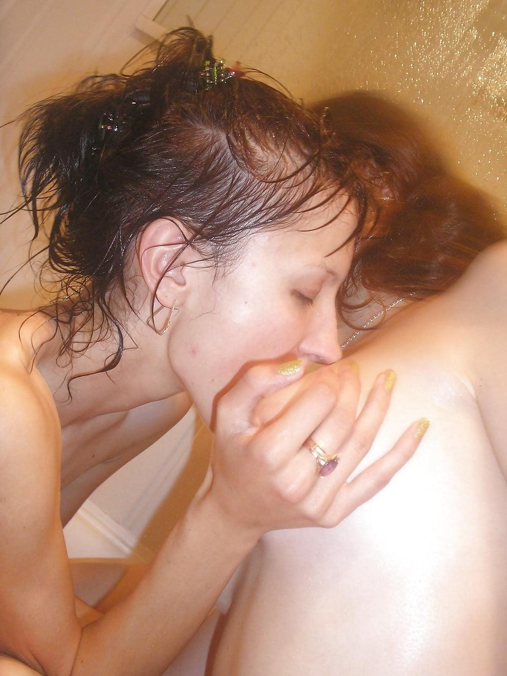 Hot lesbians make out naked-1333