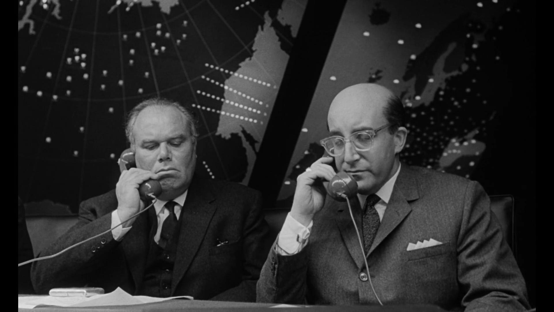 Telefono Rojo Volamos Hacia Moscu 1080p Cas-Ing[Comedia](1964)