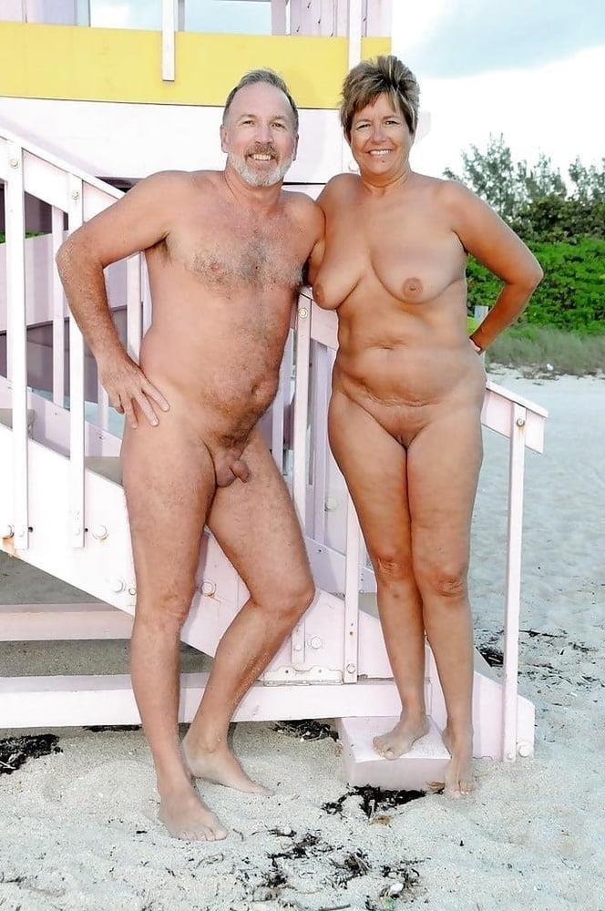 Mature couples copulating-4290