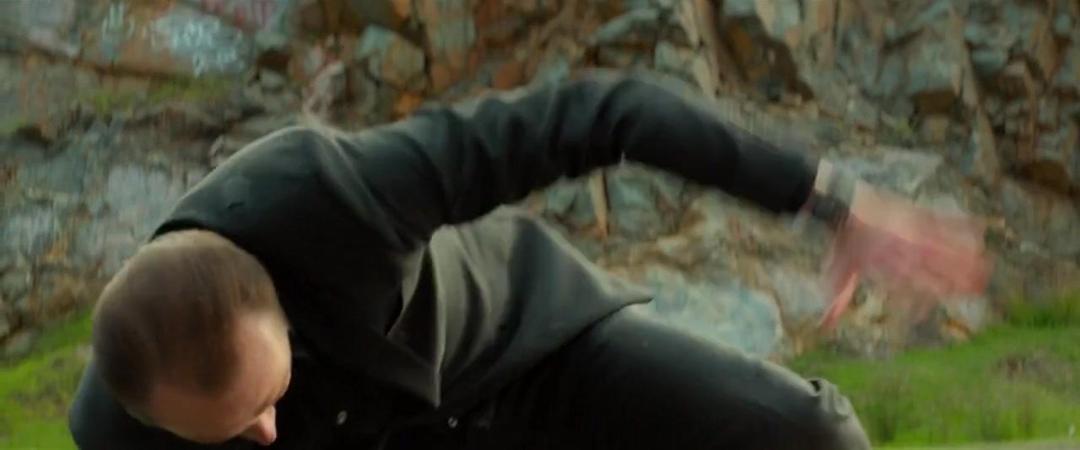 Kill Me Three Times (2014) 720p BluRay x264 Esubs [Dual Audio][Hindi+English]