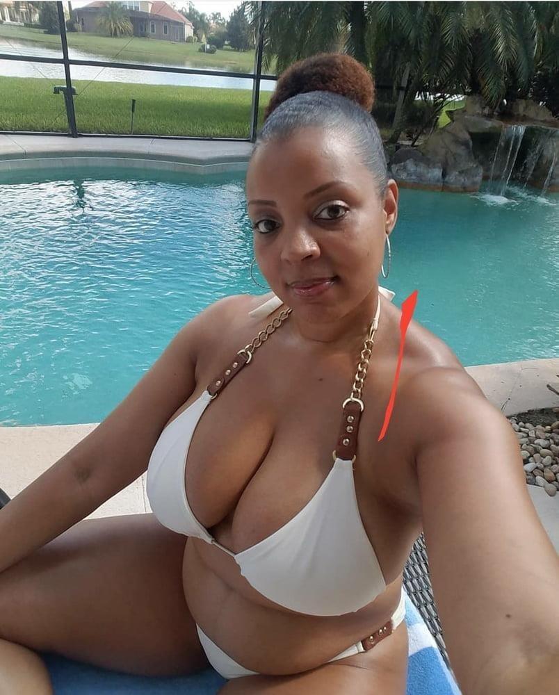 Bouncy boobs public-3563