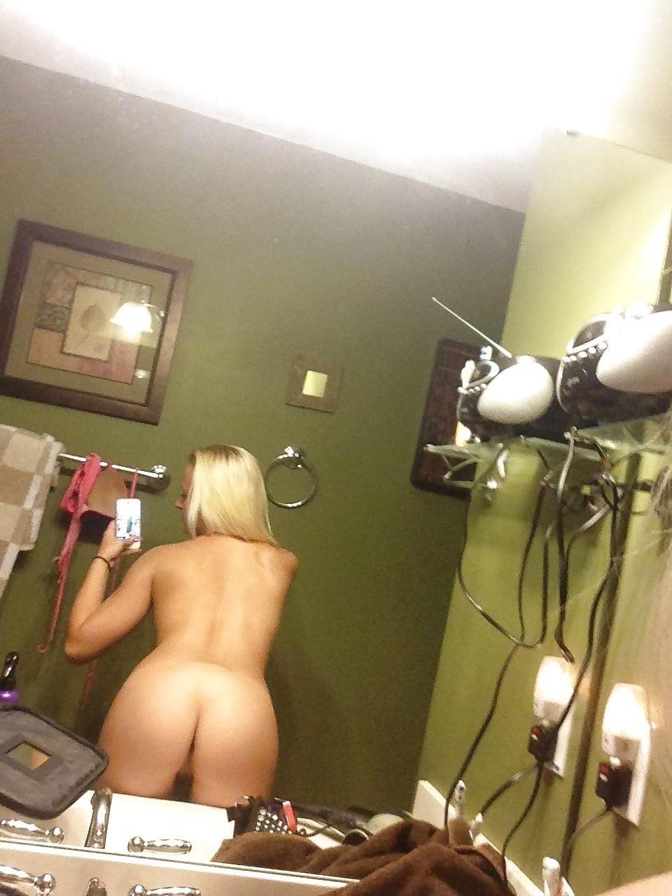 Blonde teen nude selfie-4308