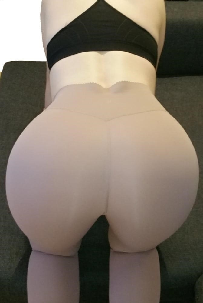 Yoga pants foot fetish-5610