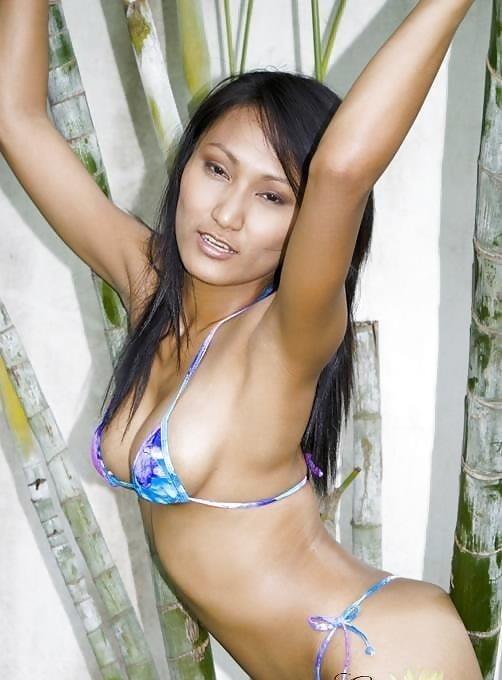 Sexy asian girl bikini-1303