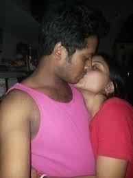 Desi kissing girl-8325