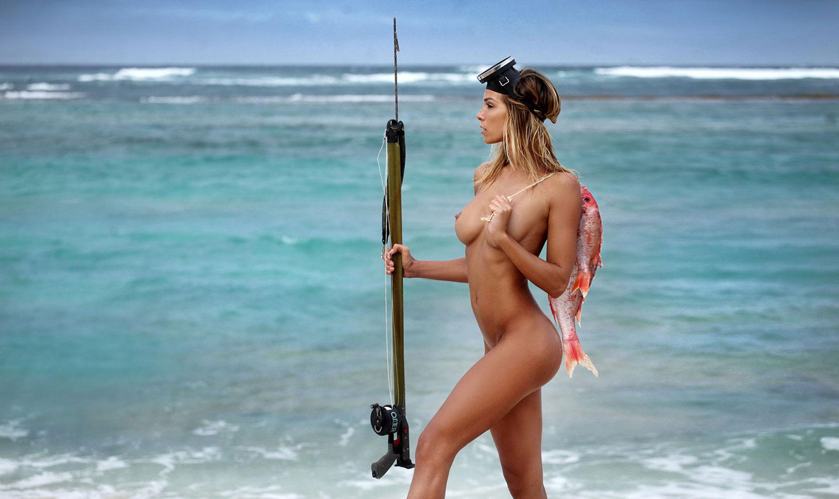 Рыбалка в Гваделупе / Christy Lacour Gianini nude by Sylvio Testa