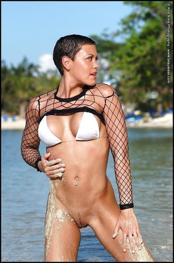 Beautiful fit naked women-4222