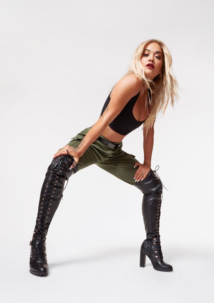 Рита Ора в обуви модного бренда ShoeDazzle, сезон 2020 / фото 04