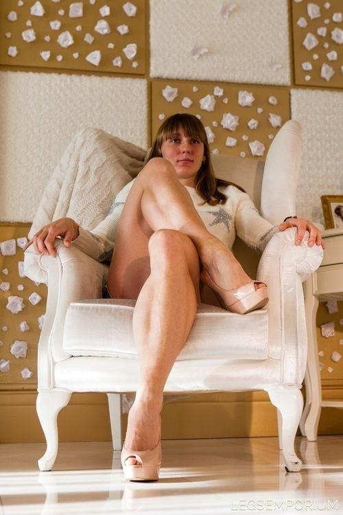 Bodybuilder female clit-7733
