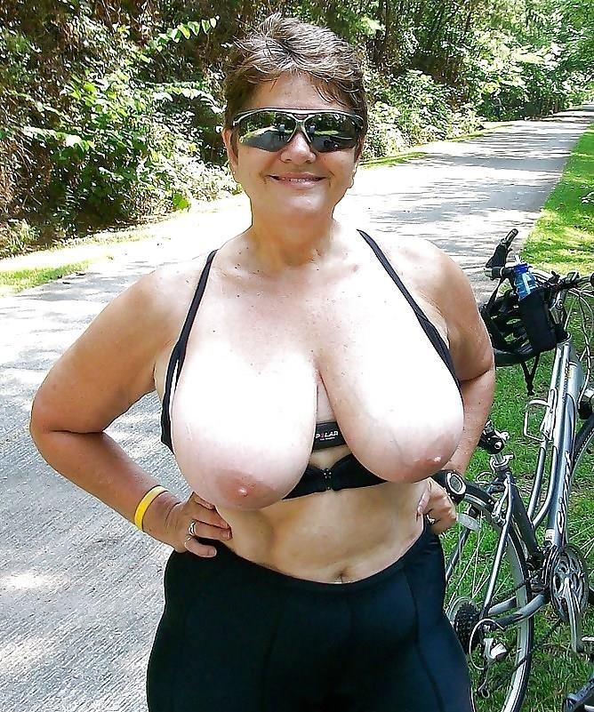 Granny big tit pics-5573