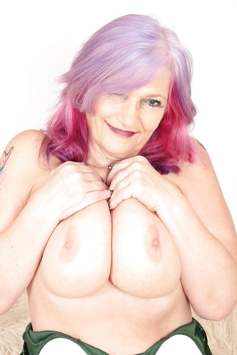 Sexy boobs feeding-7033