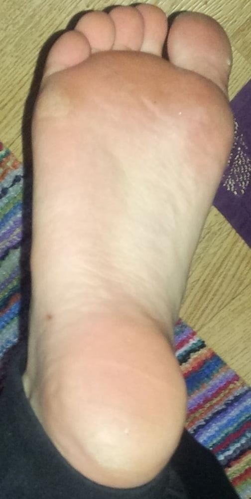Teacher worship student feet-8678