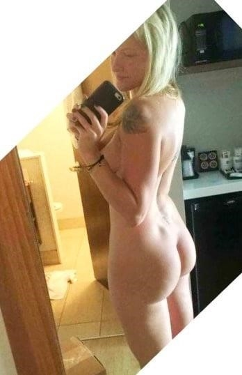 Nude booty selfies-1802