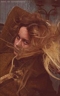 Brie Larson DYzmVzdX_o