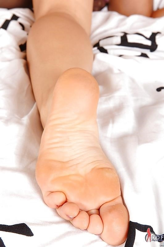 Foot fetish threesome hd-9571