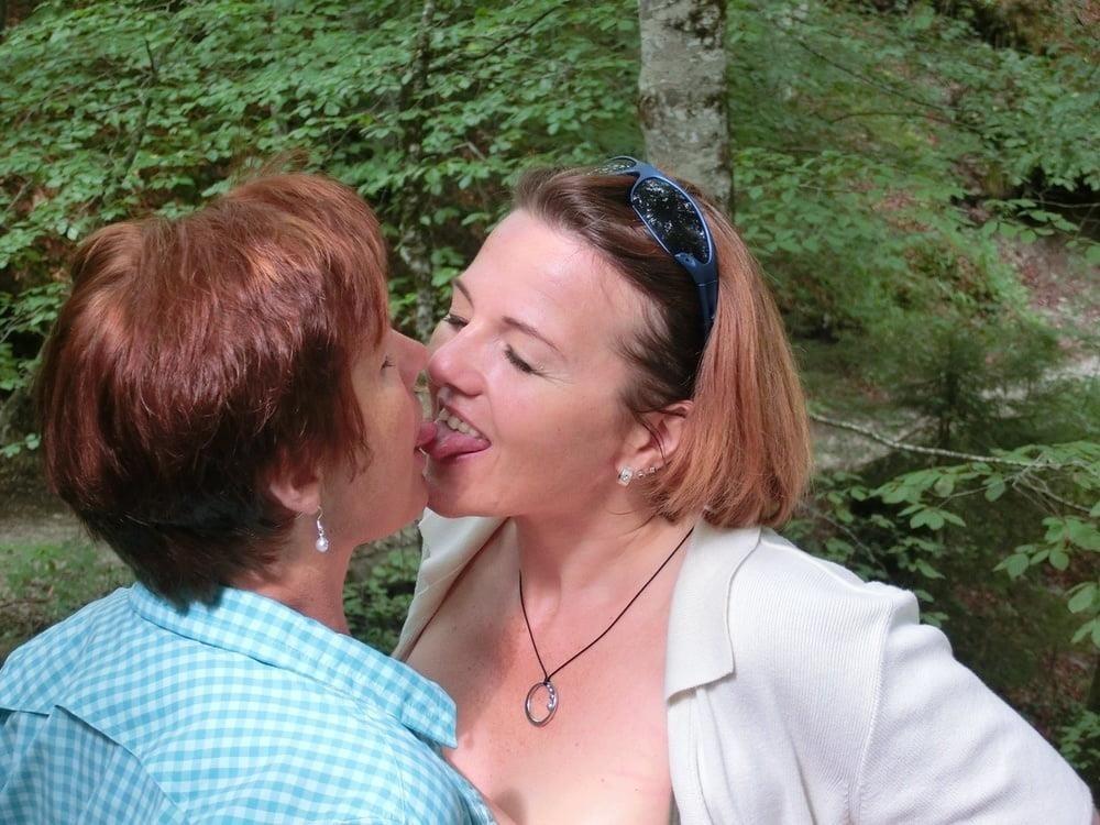 Girls kissing youporn-3164