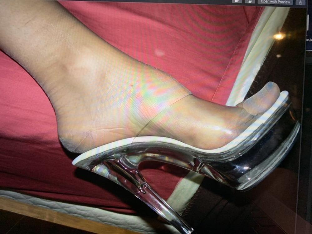 Worship my stocking feet-1321