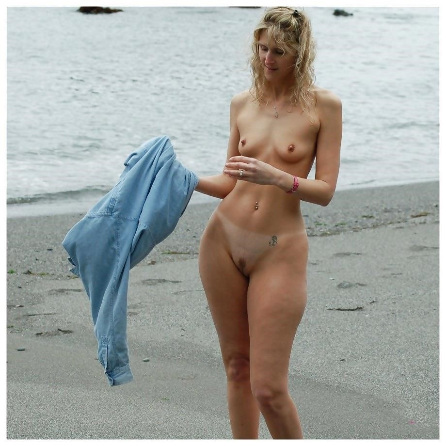 Natural tits on the beach-6343