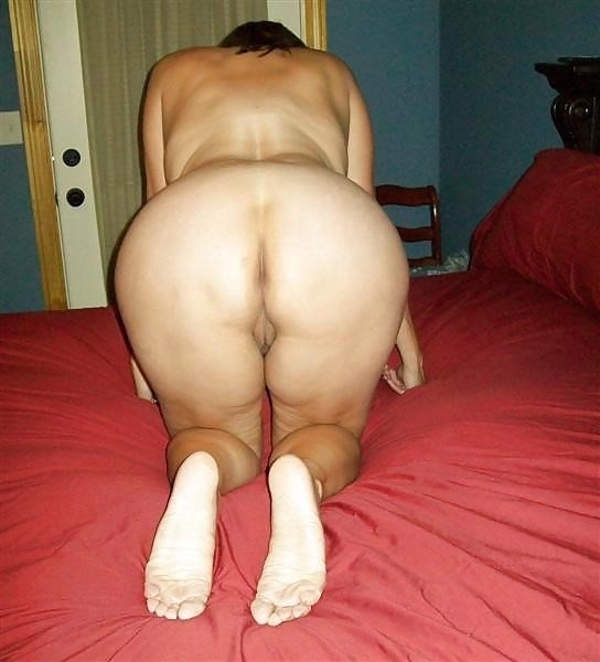My wife naked on the beach-2147