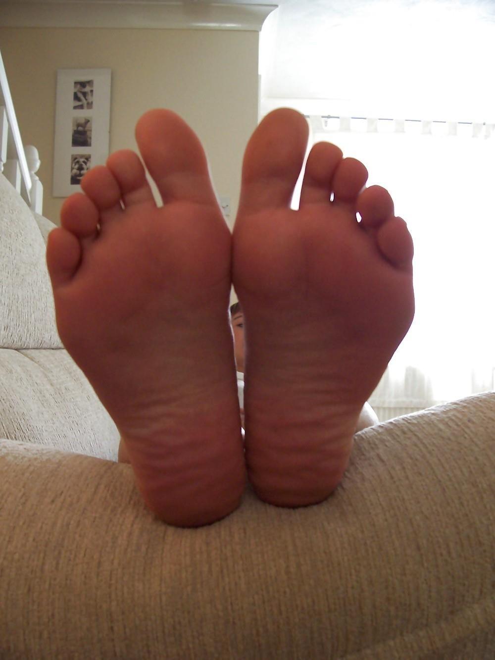 Schoolgirl feet porn-7582
