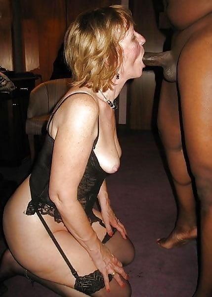 Cuckold wife in club-5525