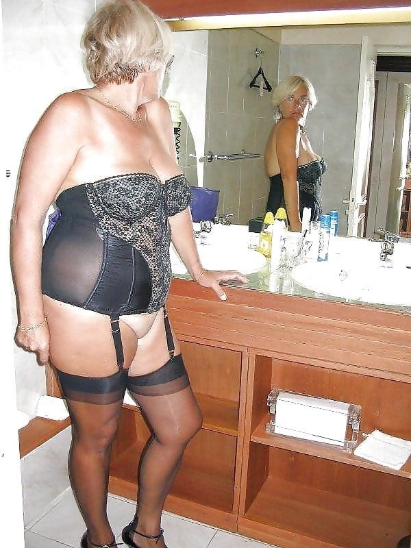 Naked mature women in stockings-8339