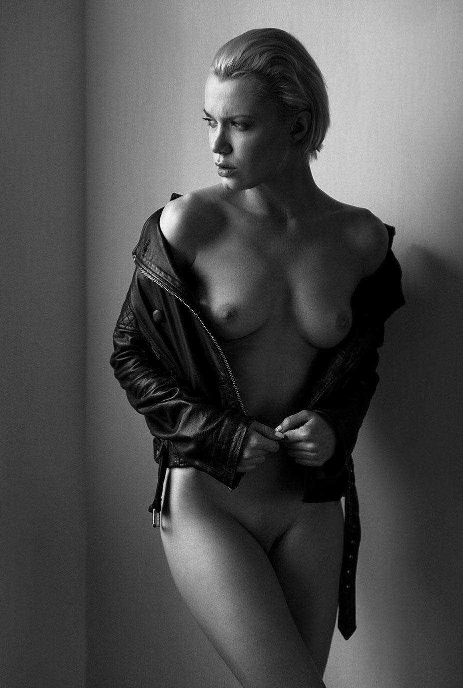 Oksana Chucha nude by Andrey Solomentsev