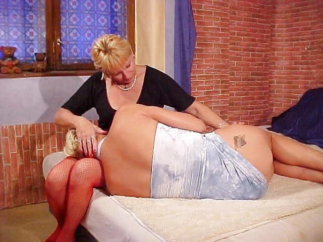 Lesbian mature foot-6125
