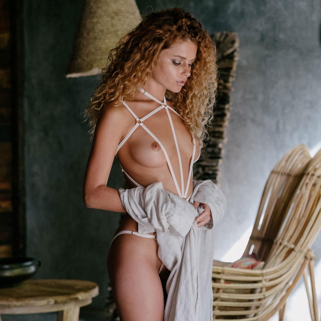 Юлия Ярошенко в сексуальном нижнем белье / фото 13