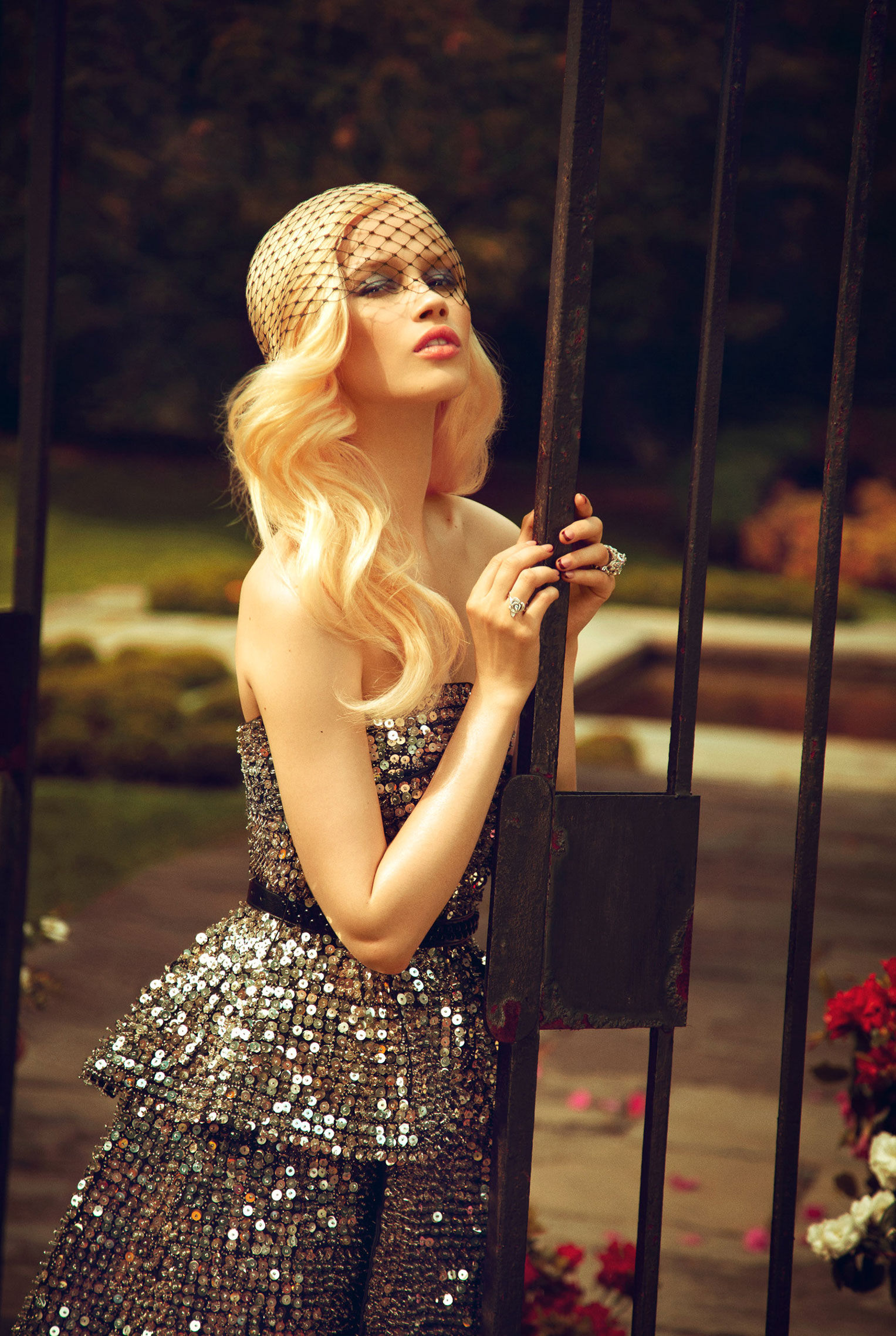 Раня Морданова в садах Бронкса / Ranya Mordanova by Yossi Michaeli - Luxury London Magazine june 2013