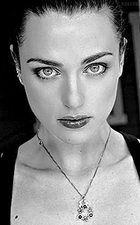Katie McGrath 2DcqNbZI_o