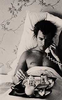 Clint Eastwood PNS9KO9c_o