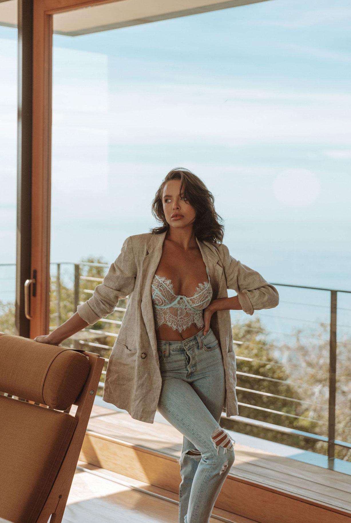 Мара Тиген в нижнем белье и купальниках модного бренда Gooseberry Intimates / фото 17