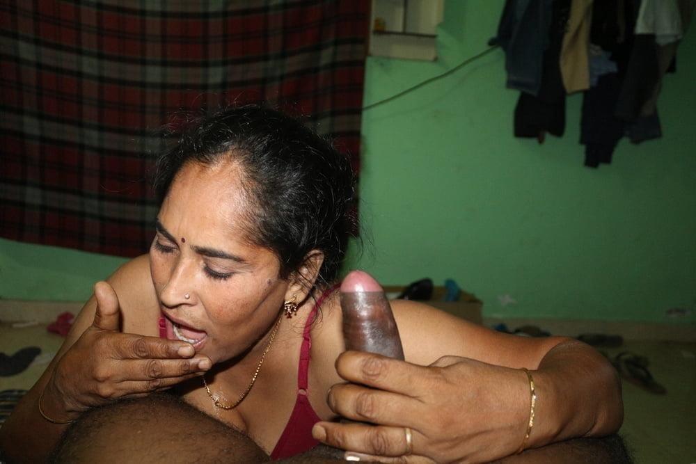 Reshma aunty nude-5984